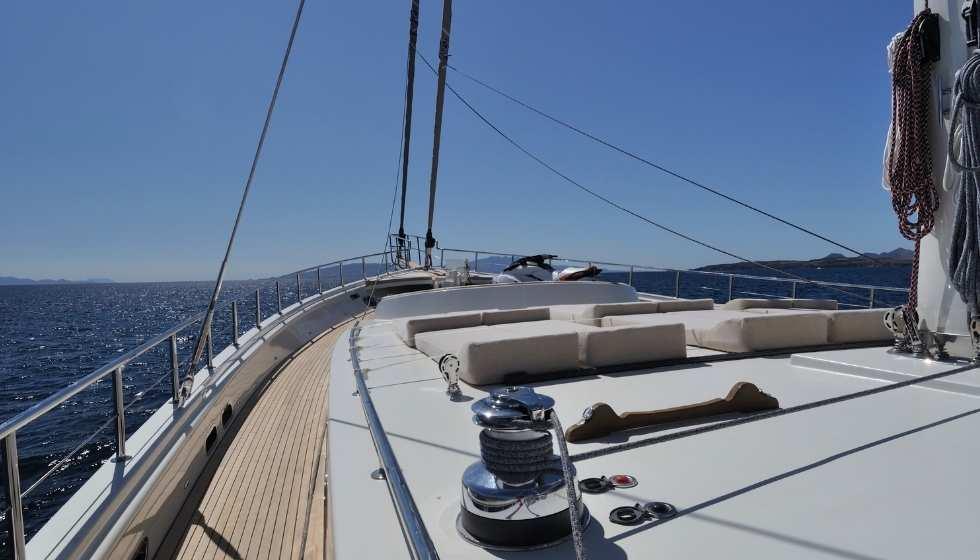 Restauración de la cubierta del barco
