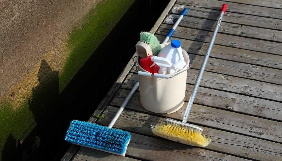 Conceptos básicos de limpieza de un barco - Daniel Nautical Solutions